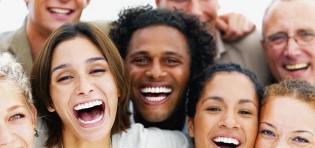 Sete benefícios que sorrir traz à saúde…
