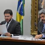 Mesmo com críticas, deputados aprovam relatório final da CPI da Petrobras…